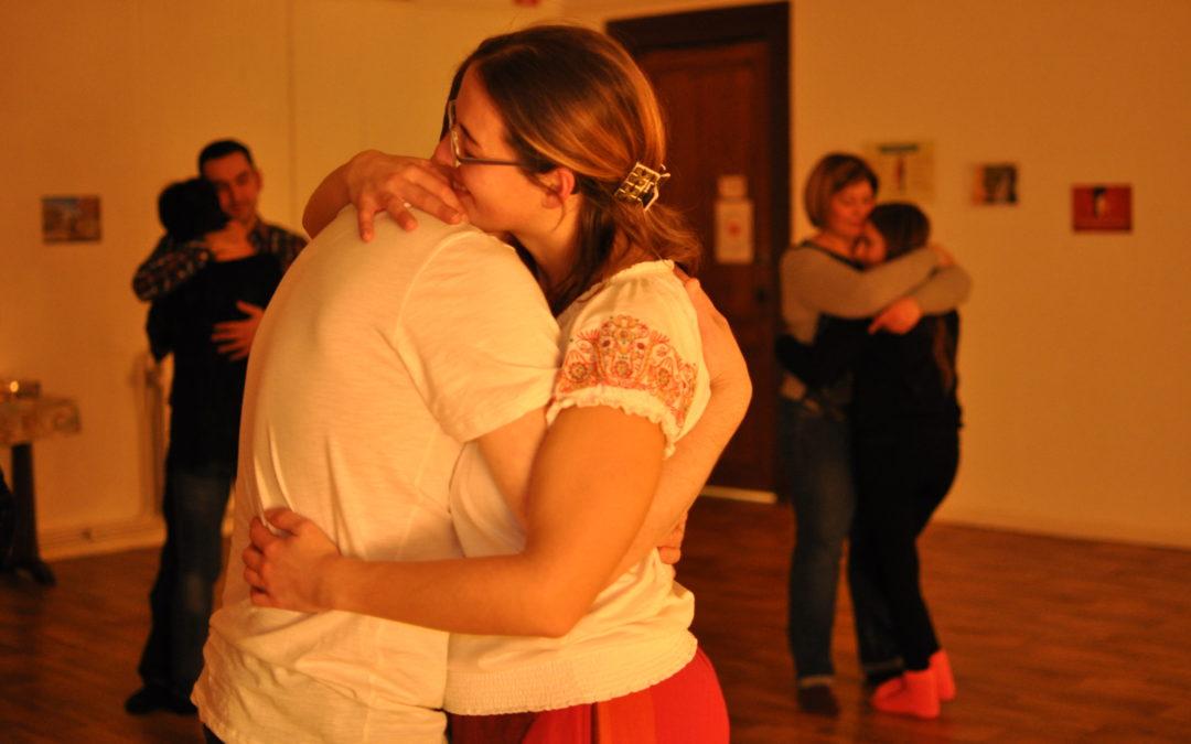 Danses intuitives et câlinothérapie